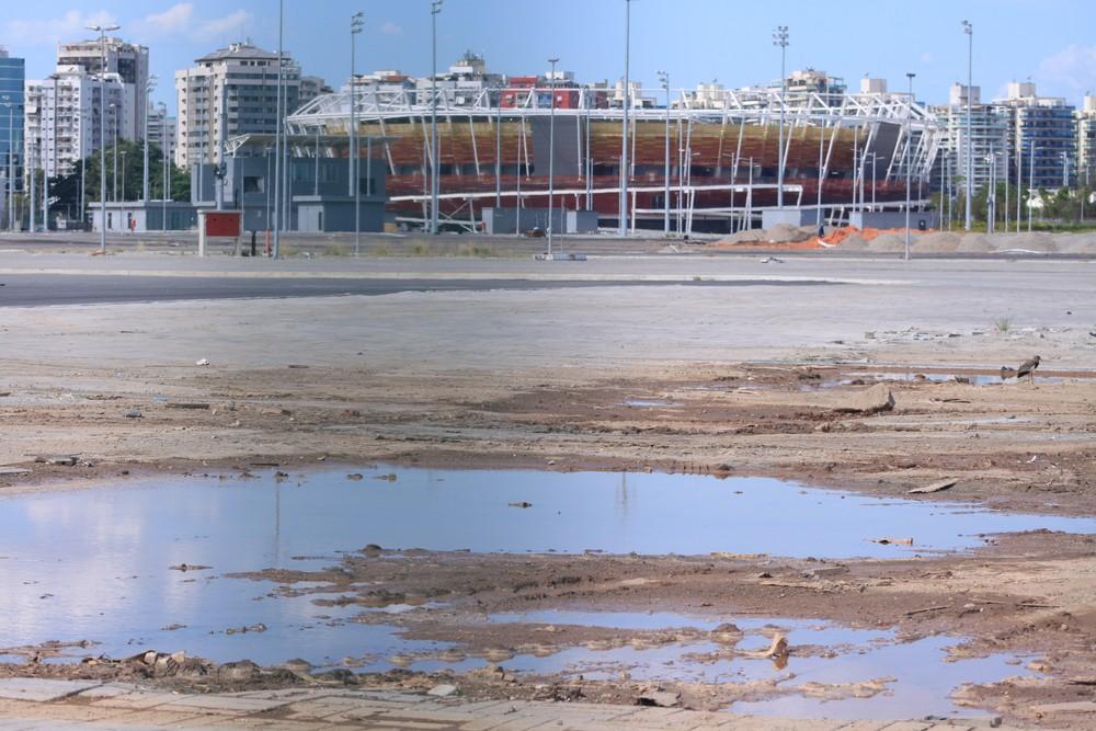 Parque Olímpico da Rio 2016 tem entulho e sinais de abandono (Foto: Thierry Gozzer)