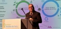Pinheiro Pedro conferencia no Seminário Resíduo de Valor - Uso Sustentável Receita e Energia (foto Gavroche Fuluma)