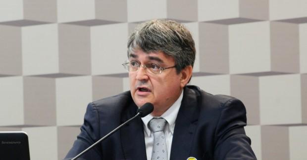O diretor executivo do 8º Fórum Mundial das Águas, Ricardo Andrade, destaca a importância do engajamento do cidadão comum nas discussões sobre o uso racional da água