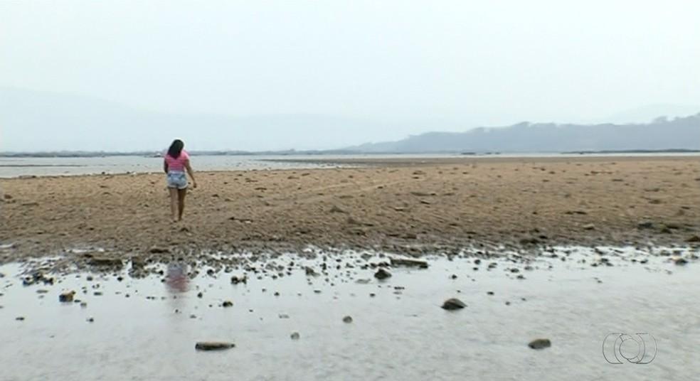 Bancos de areia no meio do rio Araguaia preocupam pescadores e moradores