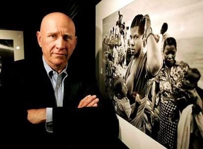 Sebastião Salgado e foto do seu projeto Gênesis - imagem reproduzida da internet.