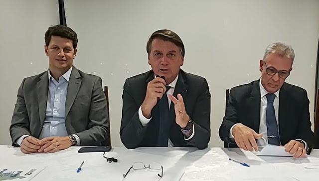 Live de Bolsonaro com os Ministros Ricardo Salles (Meio Ambiente) e Bento Albuquerque (Energia)