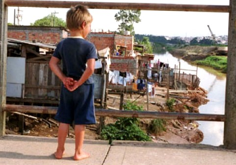 falta de saneamento afeta a saúde infantil