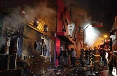 Fachada da boate Kiss, em Santa Maria (RS) após o incêndio. (27/01/2013)