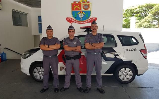 Ten Coronel Mário Alves, Major Guillon e 3º Sgt Aragão encarregado da ocorrência (da direita para esquerda) - foto PMSP
