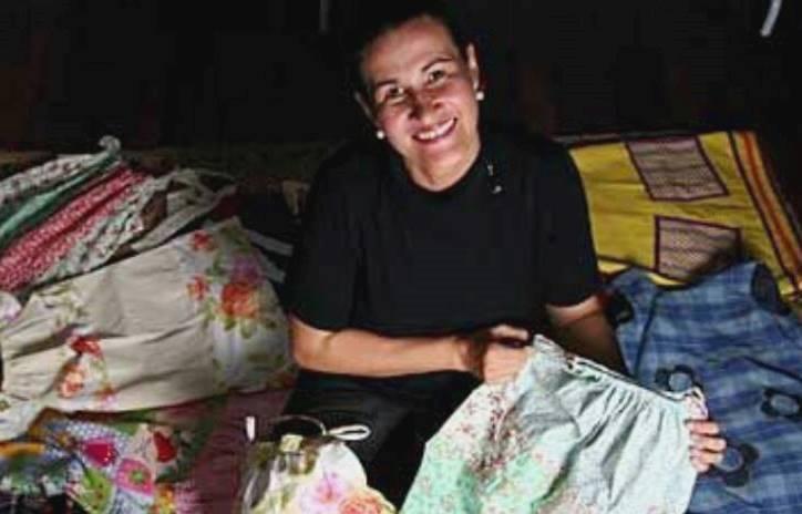 """Thereza Maria do Projeto """"Vestidos em algodão para meninas do sertão"""""""