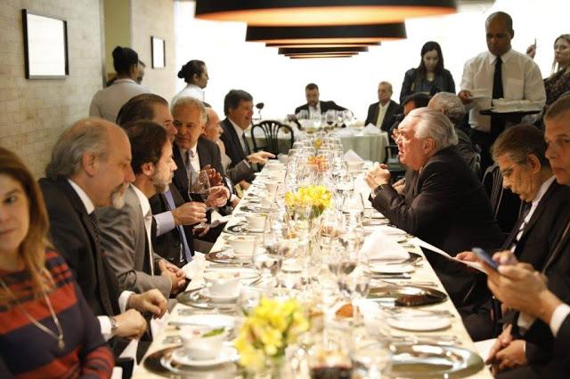 Toffoli almoça com magistrados e advogados em São Paulo após o incidente com Lewandowski - in vino veritas