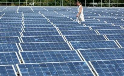 Primeira usina solar instalada no Brasil, no Ceará.