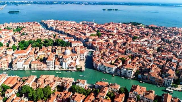 Vista aérea do Grande Canal de Veneza