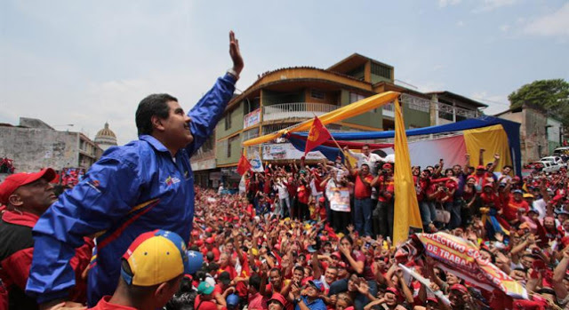 Populismo venezuelano - afogando e prestes a abraçar os vizinhos...