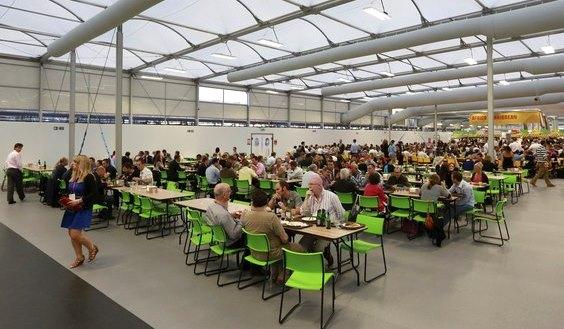 Refeitório da Vila Olímpica de Londres 2012 - cuidados com contaminação de alimentos.